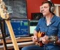 4_Andreas an der Gitarre_Foto Hagen Wolf
